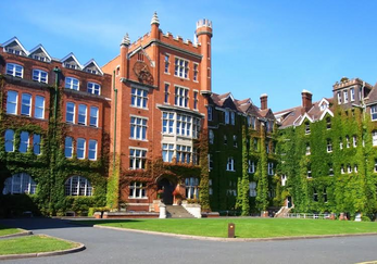 Літо в Англії. Churchill House St. Lawrence College