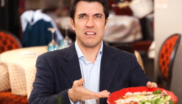 Какие фразы на английском можно использовать в разговоре с официантом
